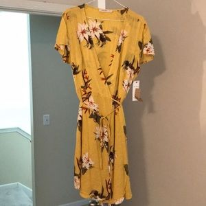 Floral wrap dress new with tags